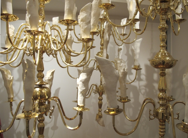chandelier close up 3